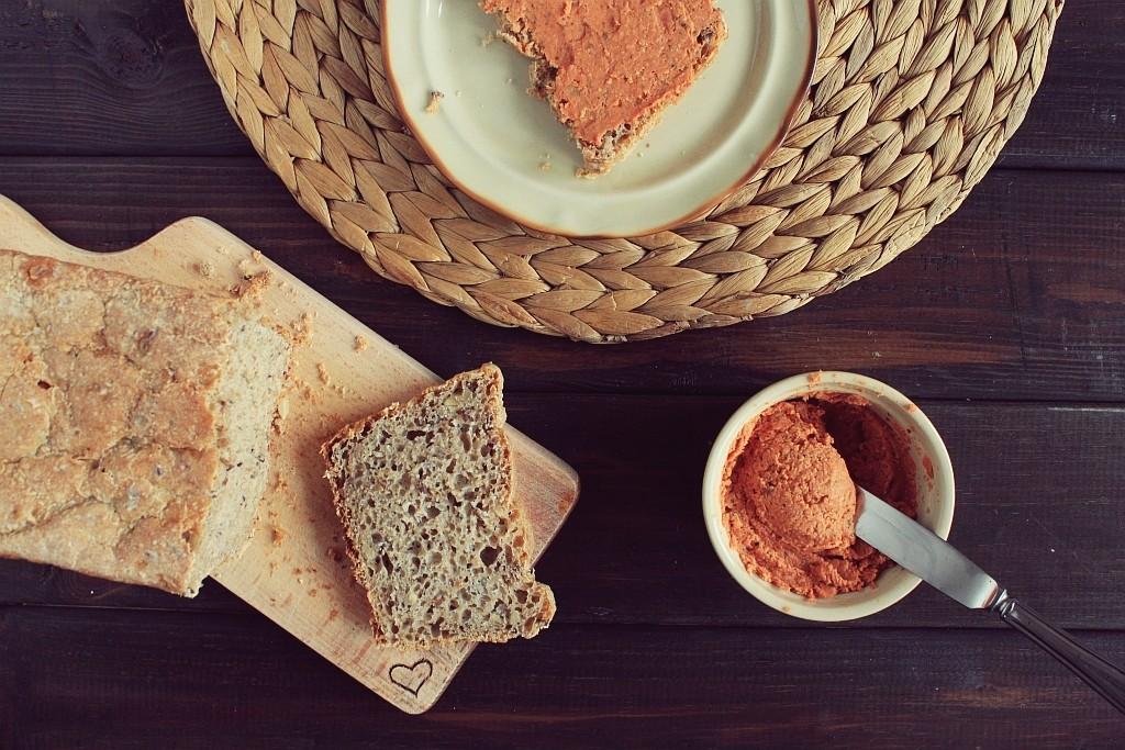 Domowy, pomidorowy pasztet sojowy (do smarowania)