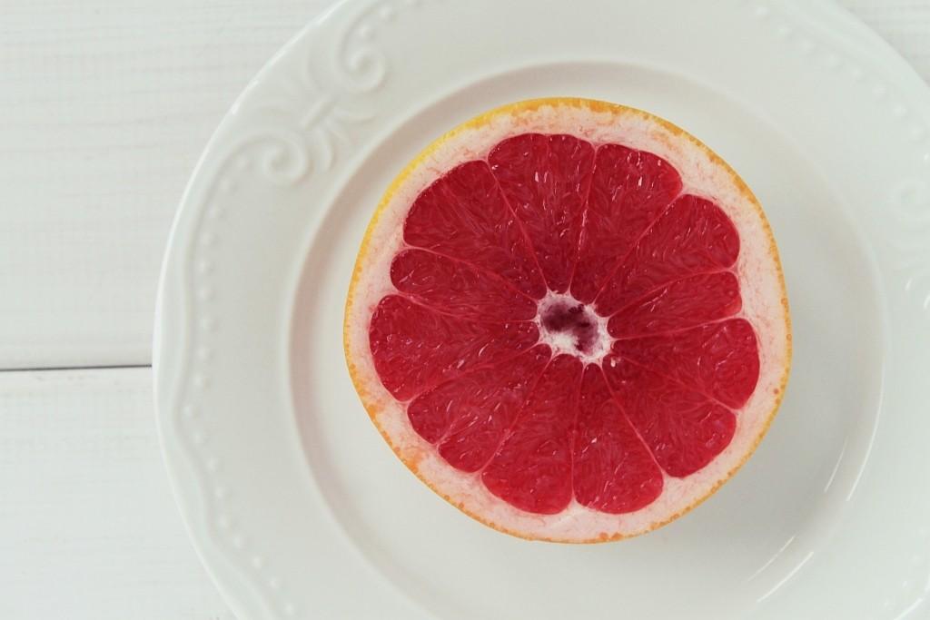 Grejpfrut – ciekawostki, odmiany, właściwości