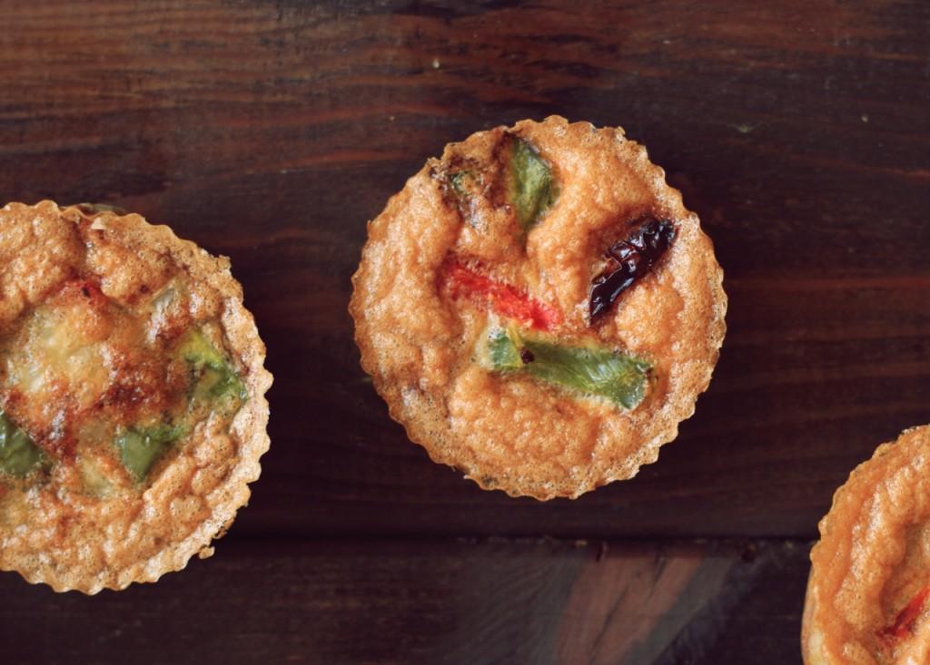 Wytrawne muffiny jajeczne z warzywami