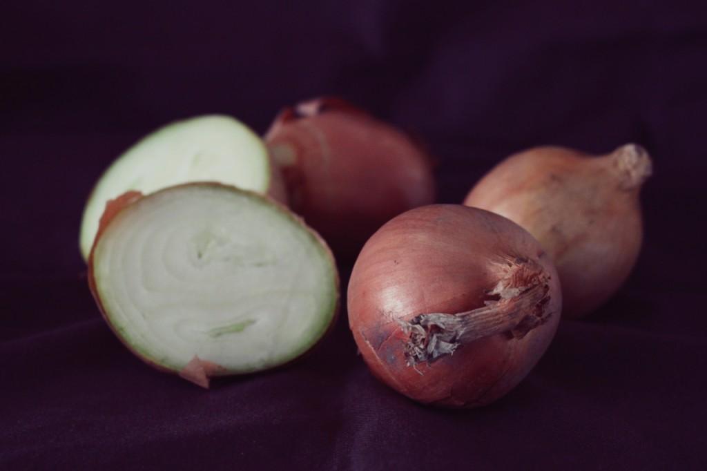Właściwości cebuli, czyli dlaczego warto jeść cebulę?