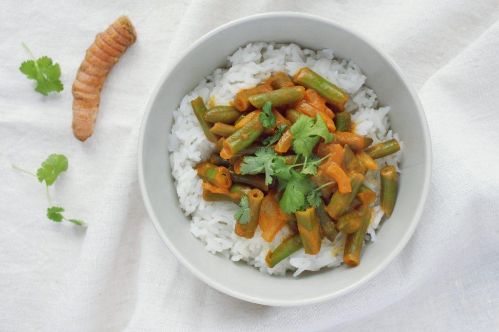 Proste, wegetariańskie curry z fasolką szparagową