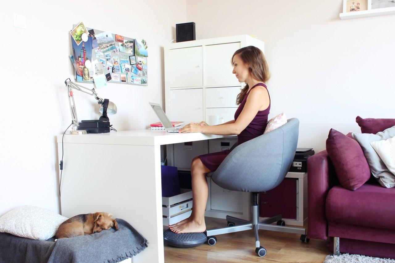 negatywne skutki pracy za biurkiem