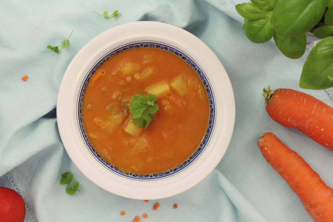 pomidorowa zupa z warzywami