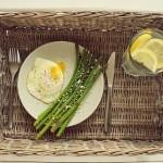 Jak gotować szparagi i z czym je podawać?
