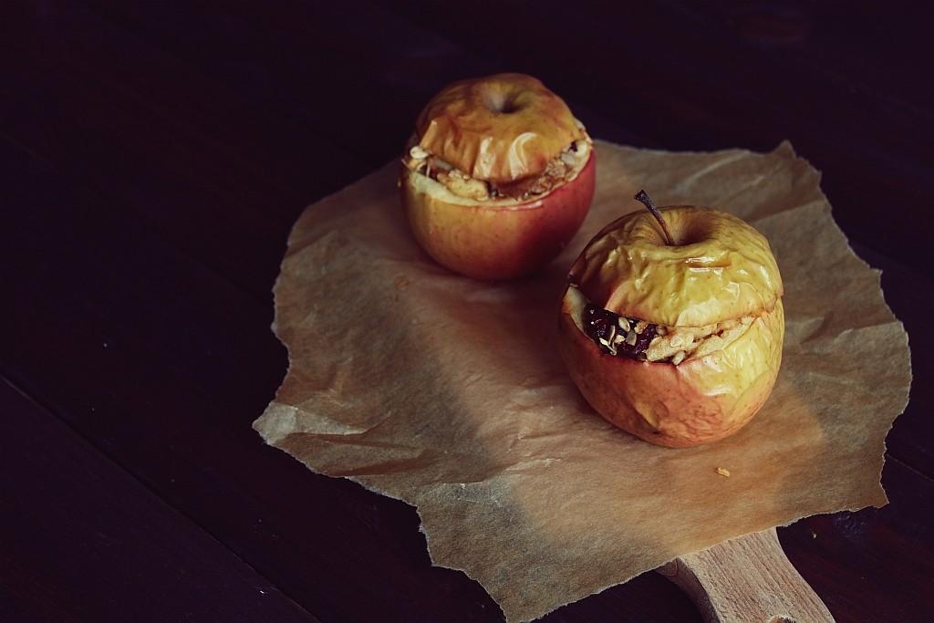 pieczone jabłka faszerowane