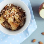 Rozgrzewające śniadanie – jabłkowa komosanka z bakaliami