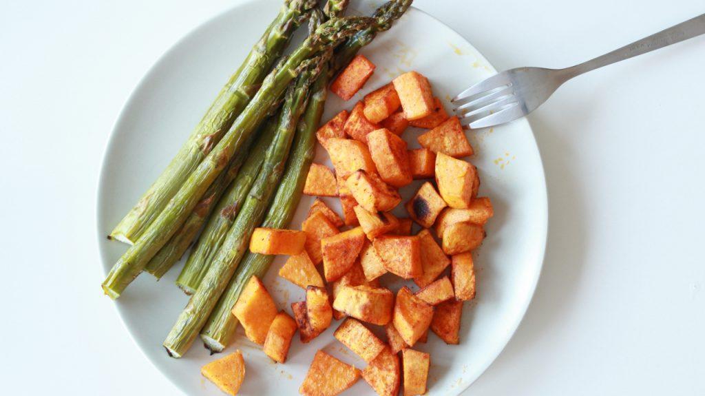 jak gotować szparagi