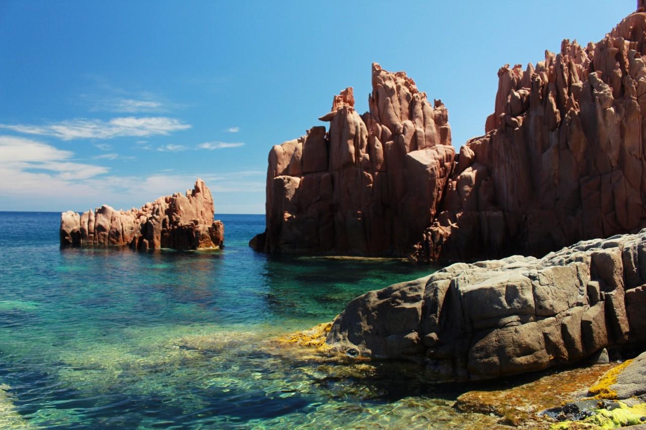 Spiagga delle Rocce Rosse