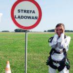 Skok ze spadochronem w tandemie – jak to krok po kroku wygląda + moje wrażenia