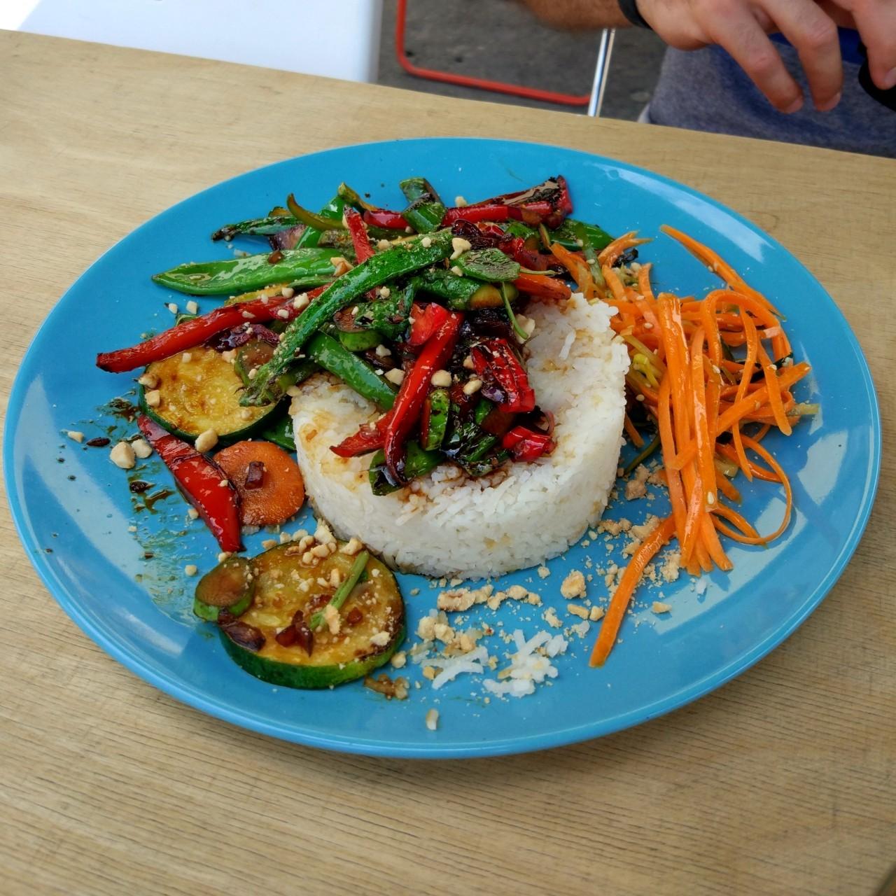 wegetarianski obiad w warszawie - vege malpa